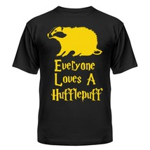 Футболка Everyone loves a Hufflepuff